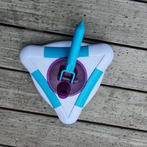 Balai triangulaire rotatif